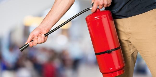 cómo usar un extintor
