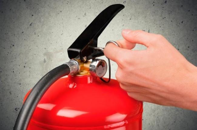 cómo usar un extintor paso a paso